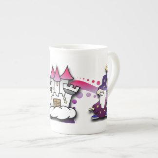 Castillo de la fantasía con el mago y el unicornio taza de china