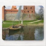 Castillo de la isla por el lago Galve, Trakai, Lit Tapetes De Raton