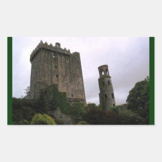 Castillo de la lisonja pegatina rectangular
