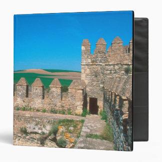 "Castillo de Las Aguzaderas es un castillo con a Carpeta 1 1/2"""