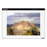 Castillo de Monzon, donde rey James pasó su infanc Portátil 38,1cm Skin