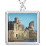 Castillo de País de Gales - de Caerphilly, con Colgante Cuadrado