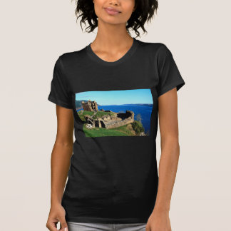 Castillo de Urquhart, Loch Ness, Escocia Playera