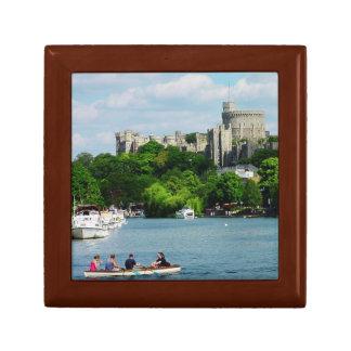 Castillo de Windsor del Thames Joyero Cuadrado Pequeño