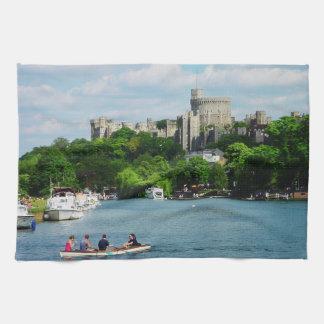 Castillo de Windsor del Thames Toallas De Cocina