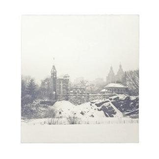 Castillo del belvedere en el invierno en Central P Libretas Para Notas