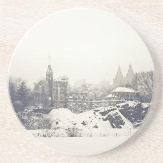 Castillo del belvedere en el invierno en Central P Posavasos Manualidades