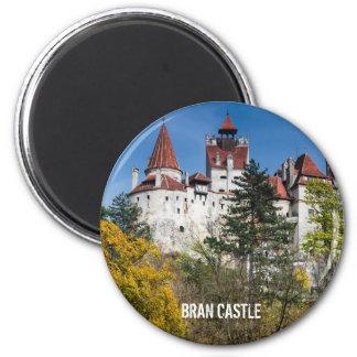Castillo del salvado, imán de Rumania