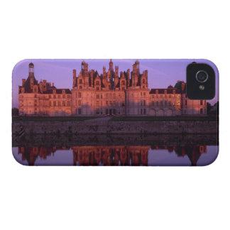 Castillo francés Chambord en la puesta del sol, el iPhone 4 Cárcasas