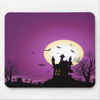 Castillo frecuentado Halloween del dibujo animado Tapete De Ratón