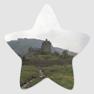 Castillo hermoso de Eilean Donan en Escocia Calcomanía Forma De Estrella Personalizada