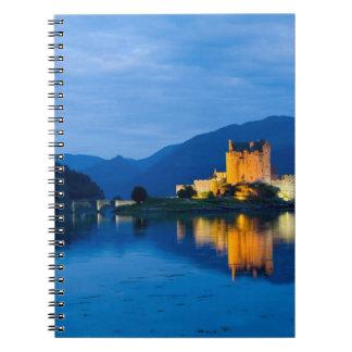 Castillo hermoso de Eileen Donan en Dornie occiden Spiral Notebooks