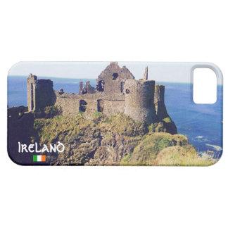 Castillo irlandés por el mar, Irlanda iPhone 5 Carcasas