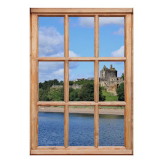 Castillo por la opinión del mar de una ventana impresiones