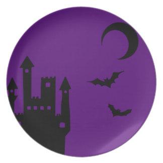 Castillo púrpura del vampiro de Halloween Platos