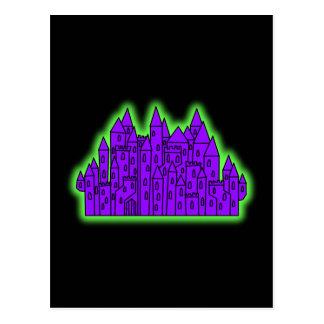 Castillo púrpura y verde postales