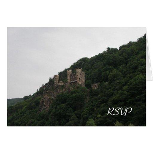 Castillo que casa las tarjetas de RSVP