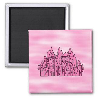 Castillo rosado del cuento de hadas imán cuadrado