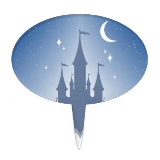 Castillo soñador azul en el cielo estrellado de la palillos de tarta
