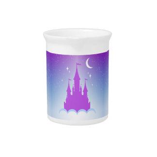 Castillo soñador de la noche en el cielo jarra de beber
