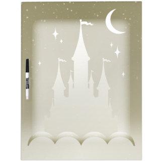 Castillo soñador de plata en el cielo estrellado pizarra blanca