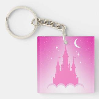 Castillo soñador rosado en el cielo estrellado de llavero cuadrado acrílico a una cara