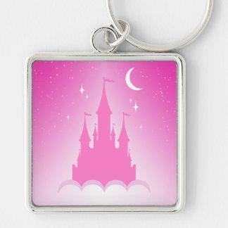 Castillo soñador rosado en el cielo estrellado de llavero cuadrado plateado