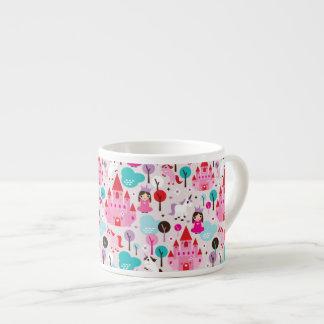 castillo y unicornio de la princesa de los niños taza de espresso