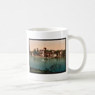 Castle and mediaeval market town, Turin, Italy vin Mugs
