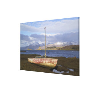 Castle Stalker with fishing boat in the Canvas Print