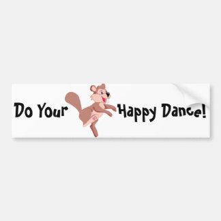 Castor del dibujo animado que hace una danza feliz pegatina para auto