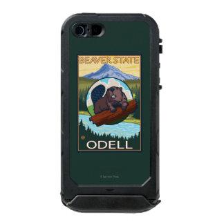 Castor y capilla del Mt. - Odell, Oregon Carcasa De Iphone 5 Incipio Atlas Id