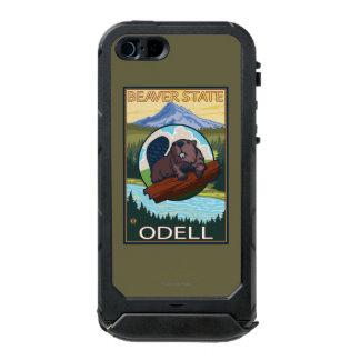 Castor y capilla del Mt. - Odell, Oregon Funda Para iPhone 5 Incipio ATLAS ID