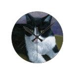 Cat 577 Tuxedo Round Clock