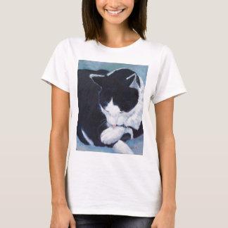 Cat Bathing Design T-Shirt