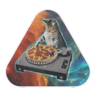 Cat dj with disc jockey's sound table bluetooth speaker