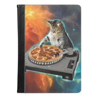 Cat dj with disc jockey's sound table iPad air case