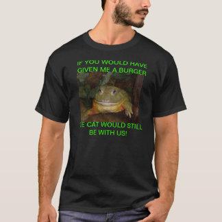 Cat eating frog! T-Shirt