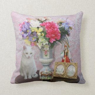 Cat & Flowers American MoJo Pillow