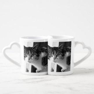 Cat in black and white coffee mug set