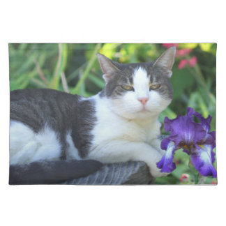 Cat in the garden place mats