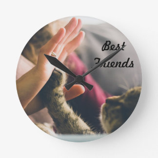 Cat Paw High-five Round Clock
