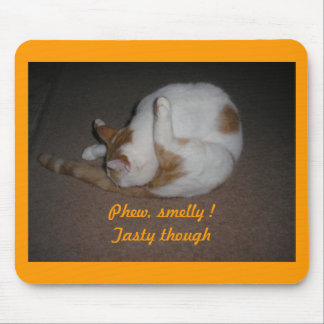 Cat Washing Mouse Pad
