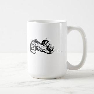Cat with Ball of Yarn Coffee Mugs