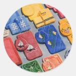 Catálogo determinado del kitsch del vintage del cu pegatina redonda