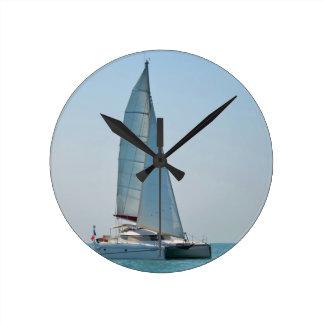 Catamarán Clara Reloj Redondo Mediano