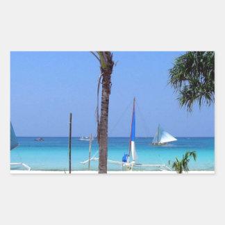 Catamarán en la playa - idea asombrosa del regalo pegatina rectangular