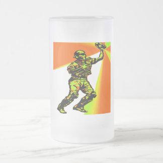 CATCHER 16 OZ FROSTED GLASS BEER MUG
