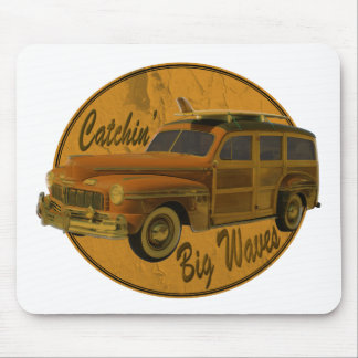 catchin' big waves in the woodie mouse pad