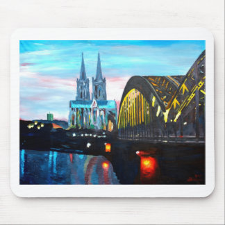 Catedral de Colonia con Hohenzollernbridge Tapete De Raton